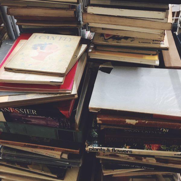 大阪府吹田市千里丘にて、絵本や洋書の出張買取