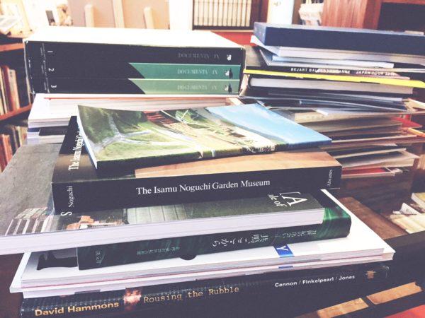古本の買取 | 現代美術・映画関連書籍を大阪府吹田市にて出張買取