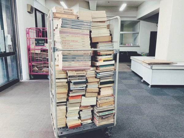奈良県奈良市にて、文学書・美術書・写真集など古本大量出張買取