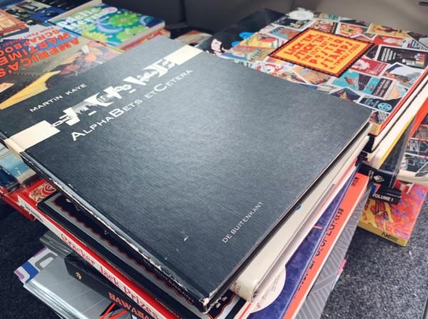 大阪市西区にて、デザイン書・絵本・写真集の出張買取