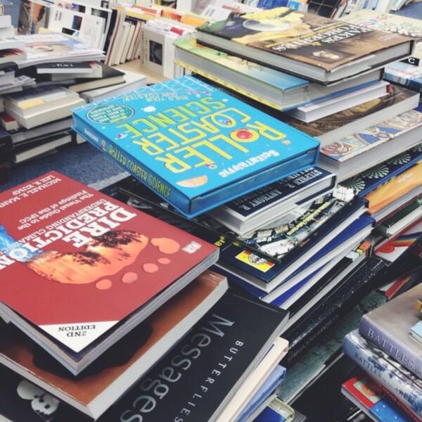 大阪市中央区にて、ビジネス書、専門書、洋書などの古本出張買取